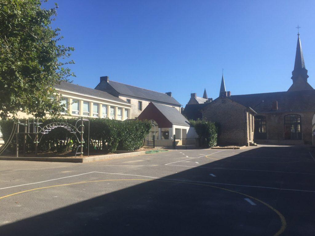 Ecole sainte marie Guérande cour classes élémentaires
